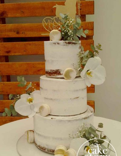 Blue Bay Lodge, Saldanha Bay wedding, semi naked cake with gold macarons