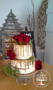 Togryersvlei, Jacobsbaai wedding, red velvet golden drip cake