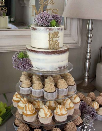 Gelukkie, Paternoster, beach wedding, semi naked wedding cake and cupcakes