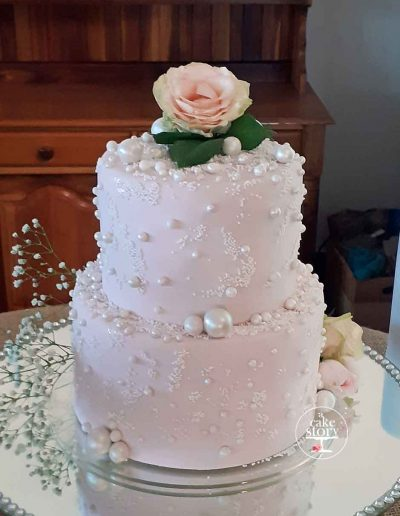Togryersvlei, Jacobsbaai, country wedding, pink and pearl wedding cake
