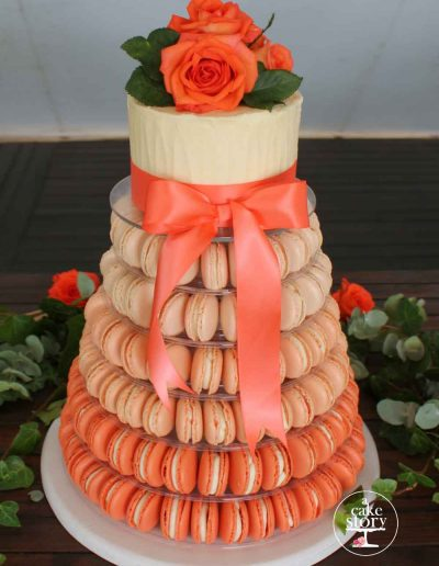 Strandkombuis, Yzerfontein, chocolate wedding cake and coral ombre macarons