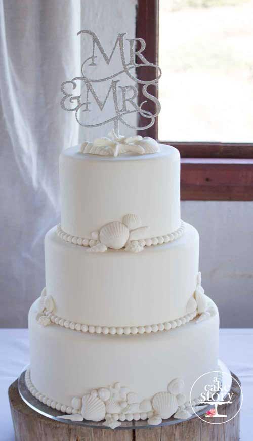 Elegant beach wedding cake